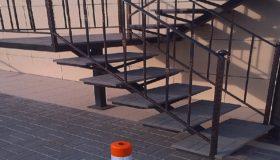 Лестничное ограждение на входной лестнице