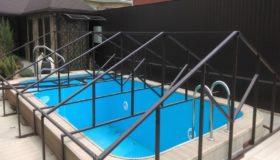 Металлоконструкция: навес над бассейном