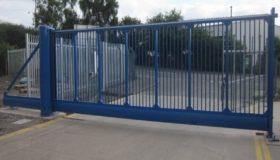 Откатные ворота на въезде на предприятие