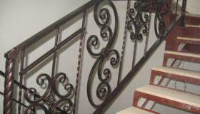 Металлическая лестница для помещения (Вар.4)