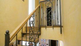 Металлическая лестница для помещения (Вар.8)